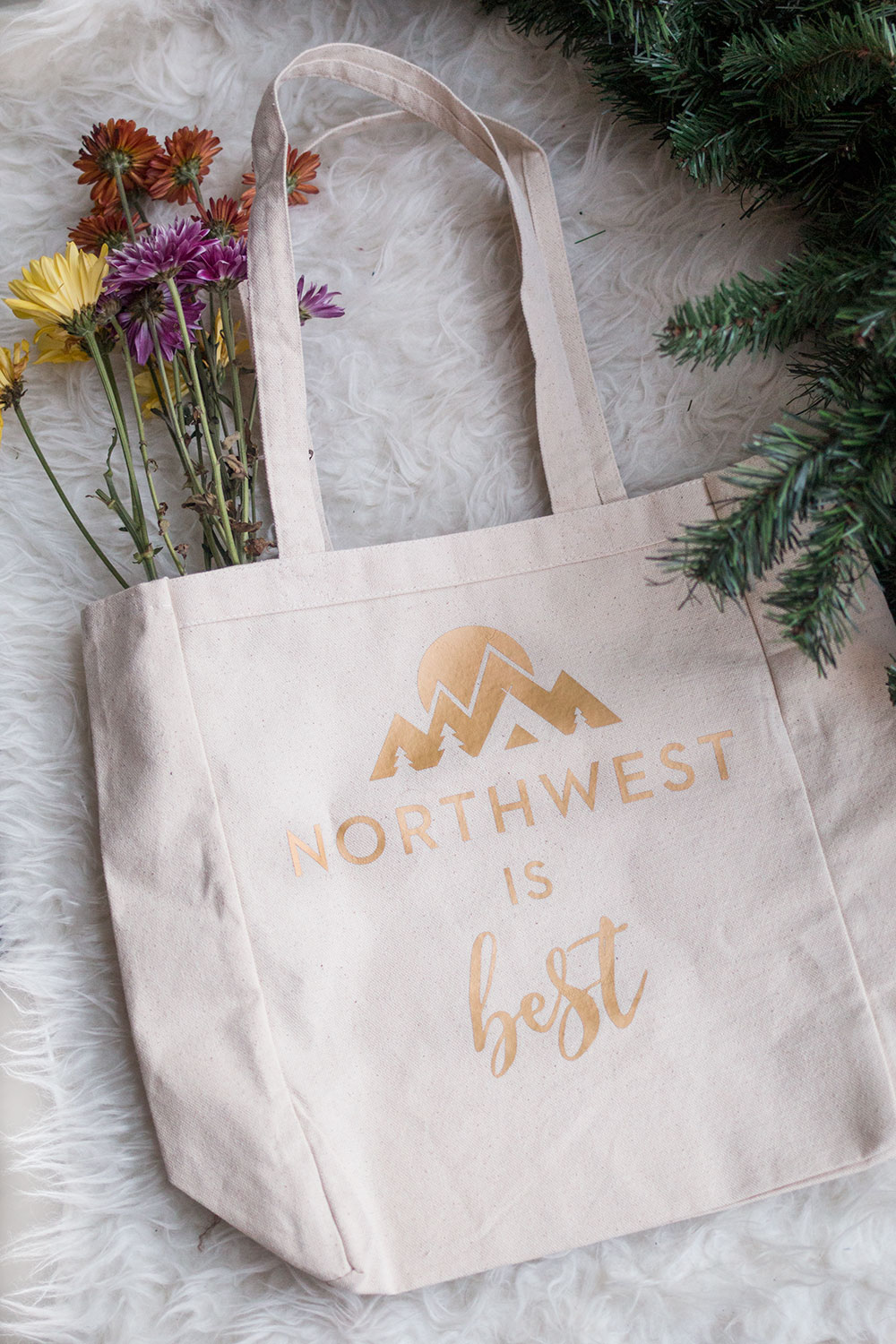 Songbird Paperie Northwest is Best Tote // Hello Rigby Seattle Fashion Blog