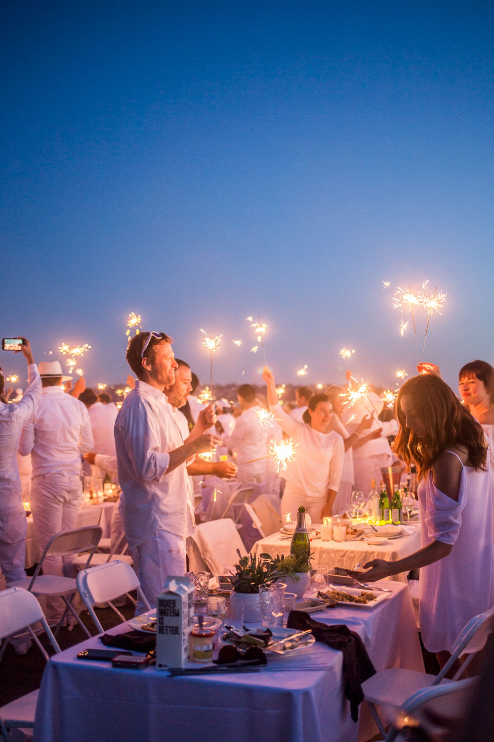 Le Diner en Blanc: Lighting Off Sparklers // Hello Rigby Seattle Lifestyle Blog