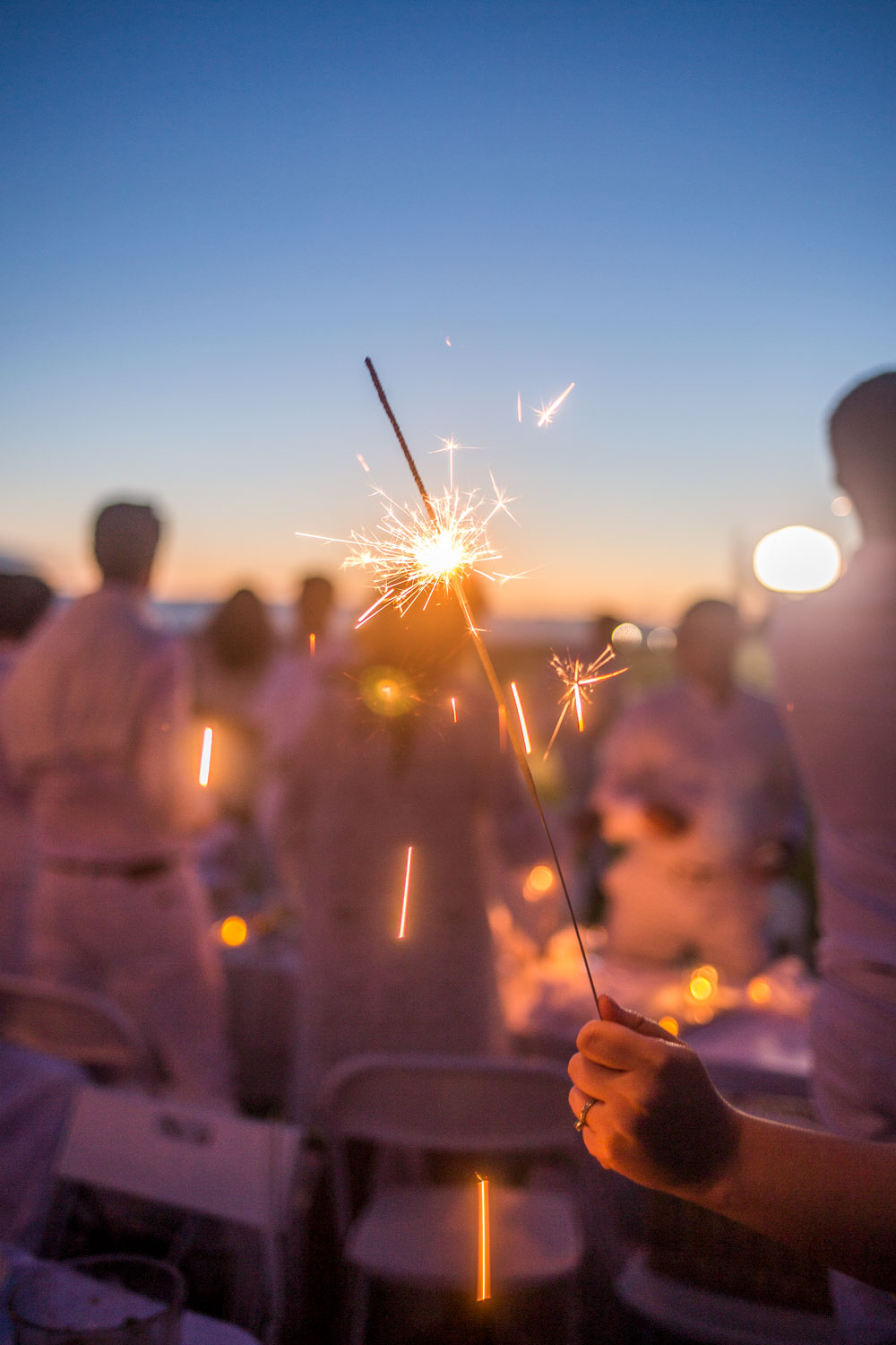 Le Diner en Blanc Sparklers // Hello Rigby Seattle Lifestyle Blog