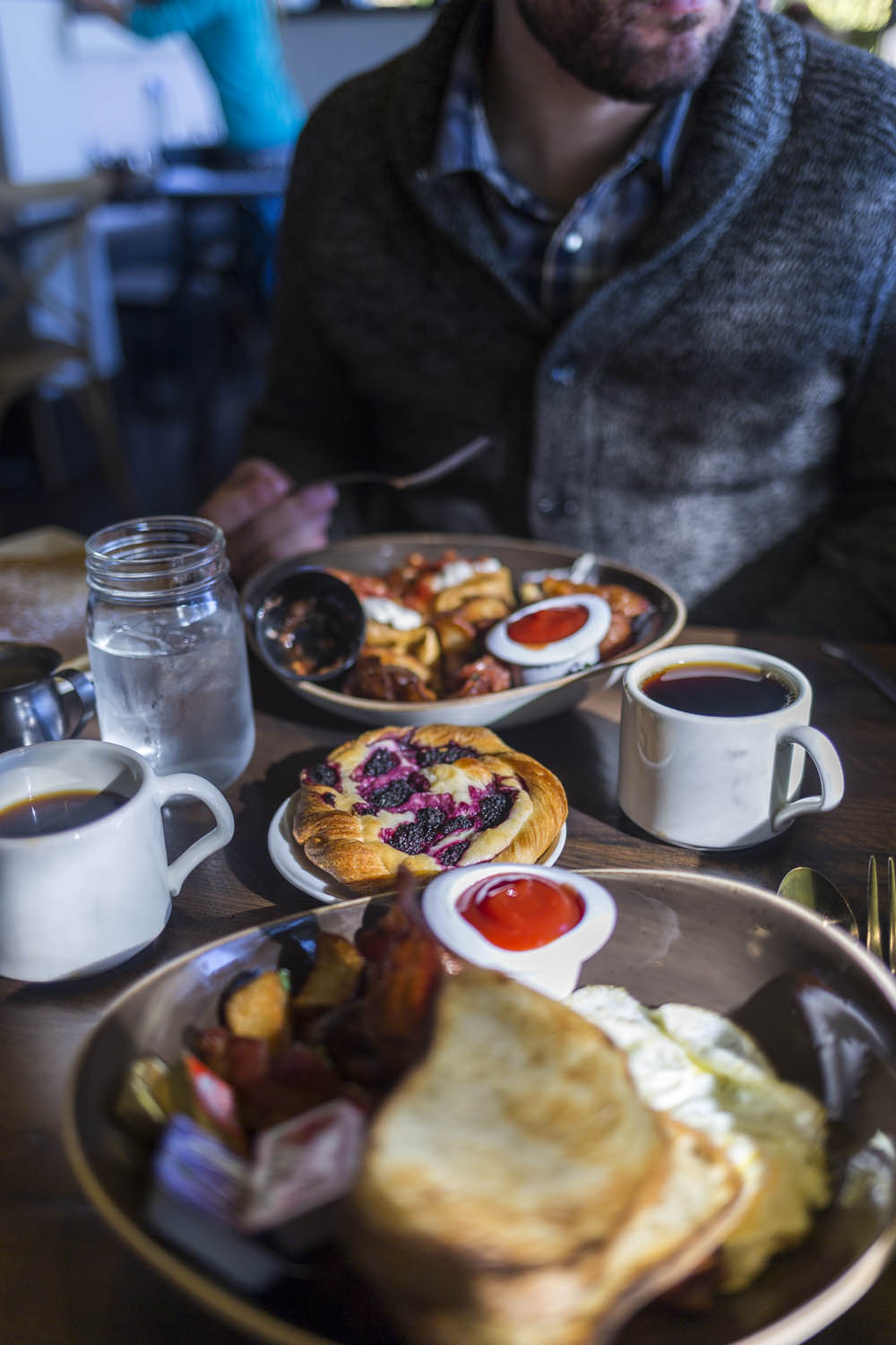Things to Do in Olympia WA: Eat Breakfast at Hotel RL // Seattle Travel Blog