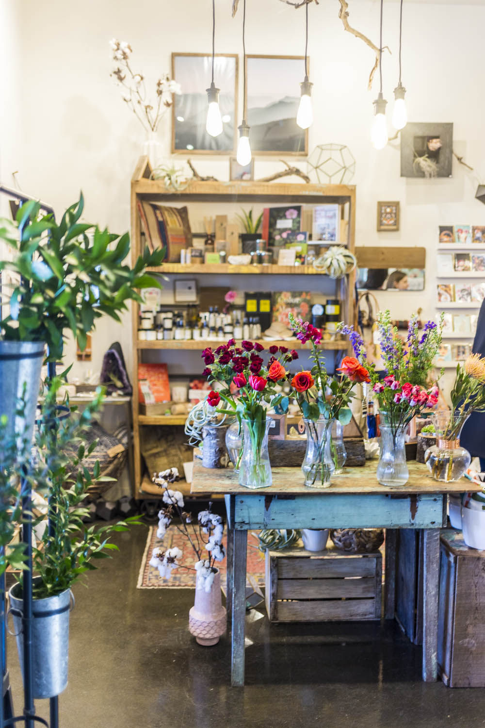 Things to do in Olympia, WA: Visit the 222 Market and Fleurae Floral // Seattle Travel Blog